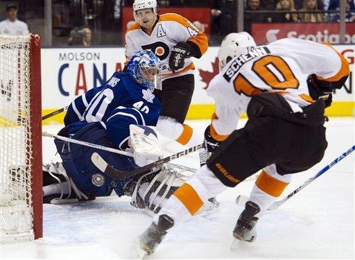 Flyers beat Leafs 7-1