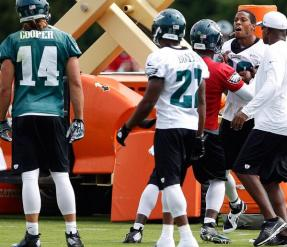 Cooper and Williams are separated by Vick (via David Maialetti)
